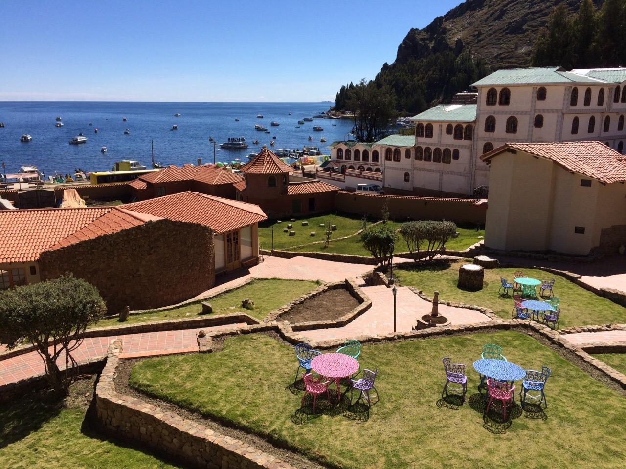 copacabana-bolivie-hotel-rosario-titicaca-jardin